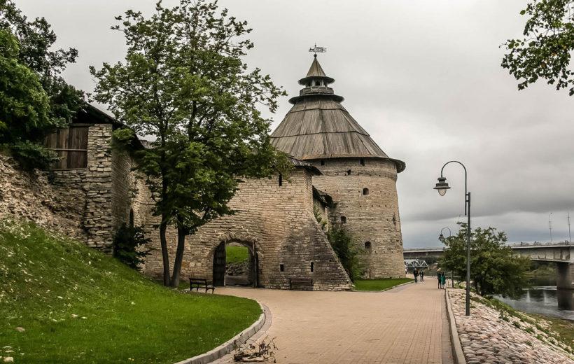 Псков  (Кремль, Поганкины палаты/Мирож. монастырь) + обед 350 р.
